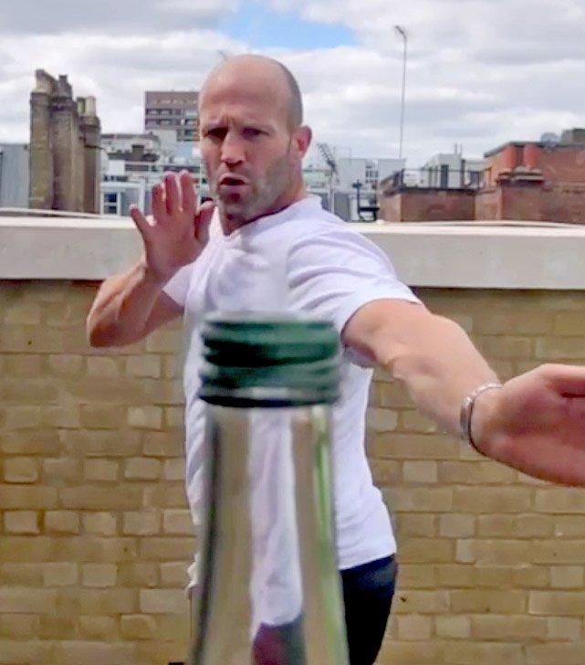 Jason Statham y Conor McGregor superaron el reto viral