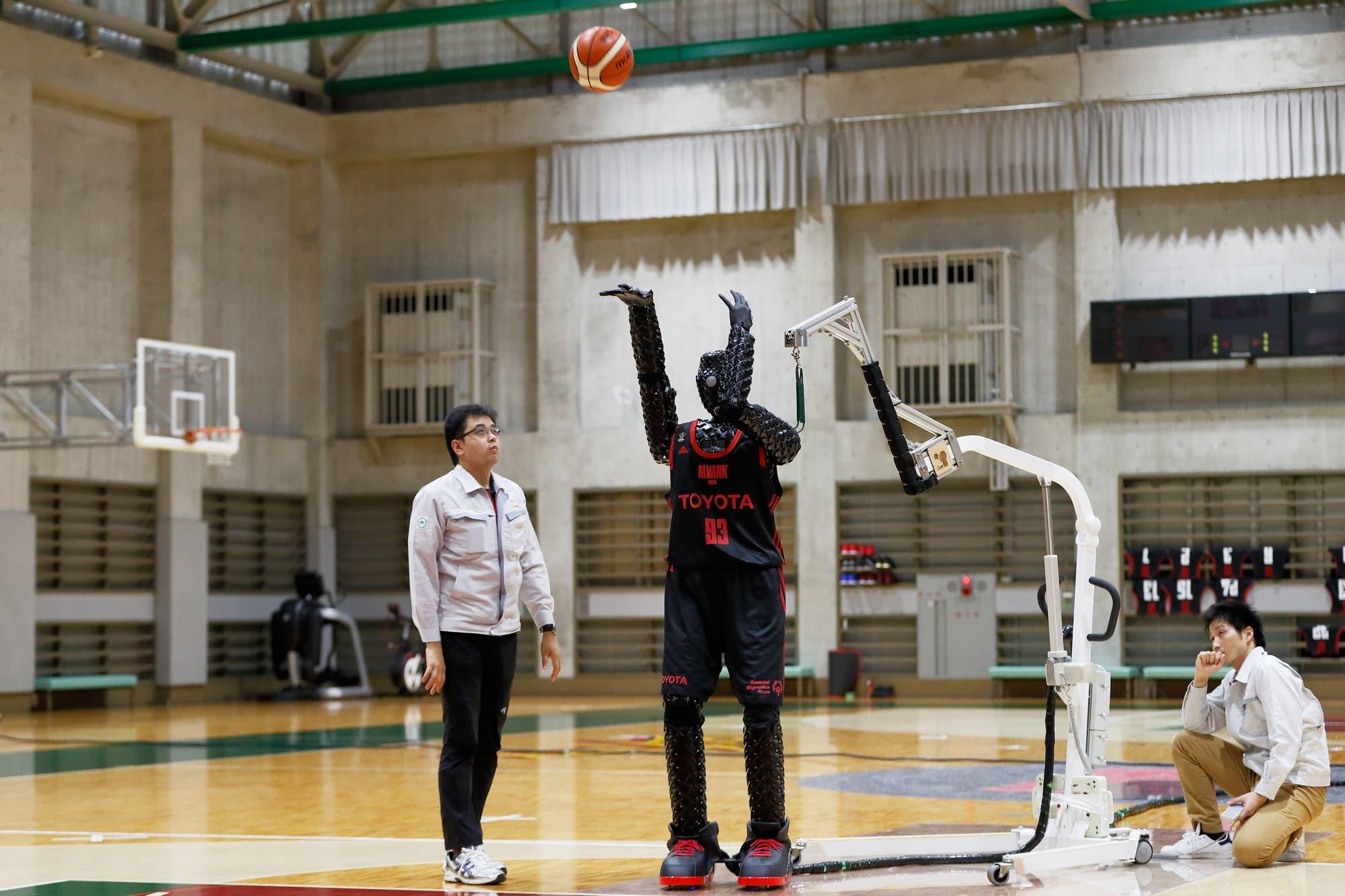 Este es CUE3, el basketbolista robot que logró encestar 2020 tiros libres consecutivos