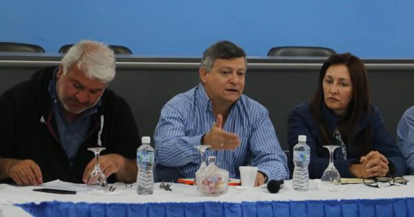 Peppo atrasó la elección en Chaco en medio de la pelea con Cristina y Capitanich
