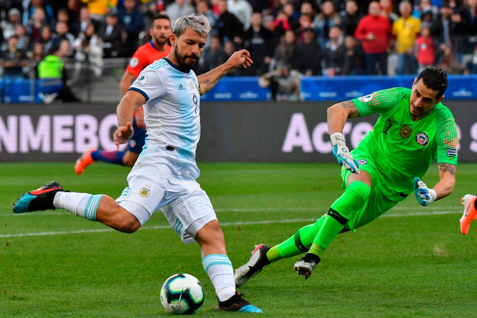Argentina-Chile: la avivada de Lionel Messi para el gol de Sergio Agüero y la gran definición de Paulo Dybala