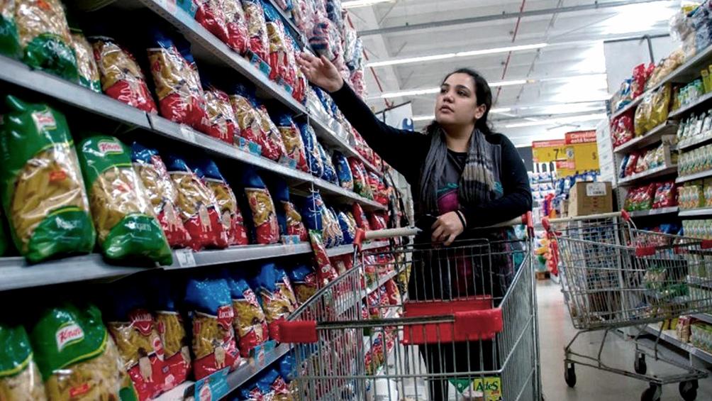 Las ventas minoristas aumentaron 18,2% en junio y cayeron 12,2% interanual