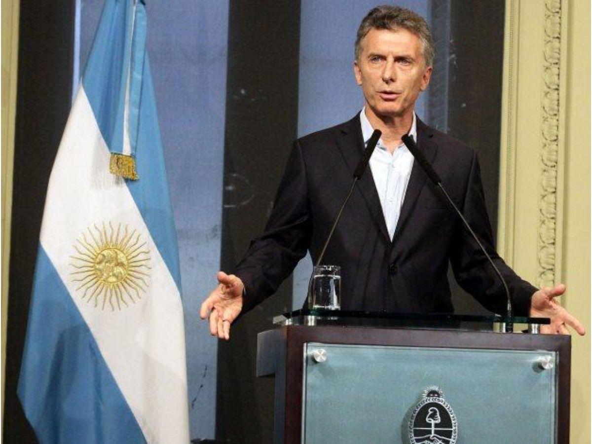 """Macri pidió """"cuidar"""" a los que """"nos cuidan"""""""