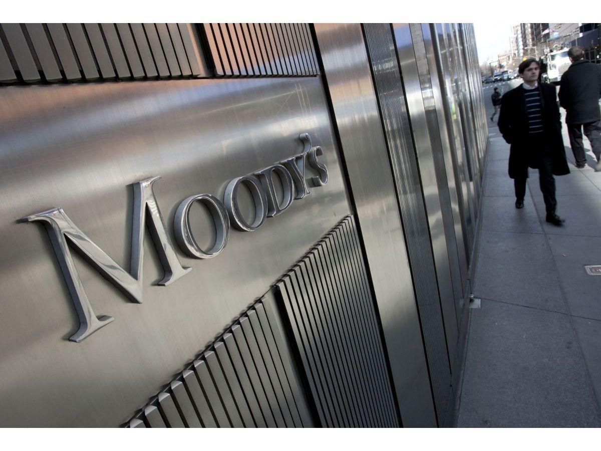 Moody's y Fitch bajaron las calificaciones de la deuda argentina