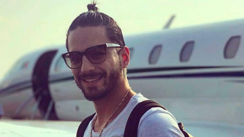 Maluma a los llantos por su primer avión privado