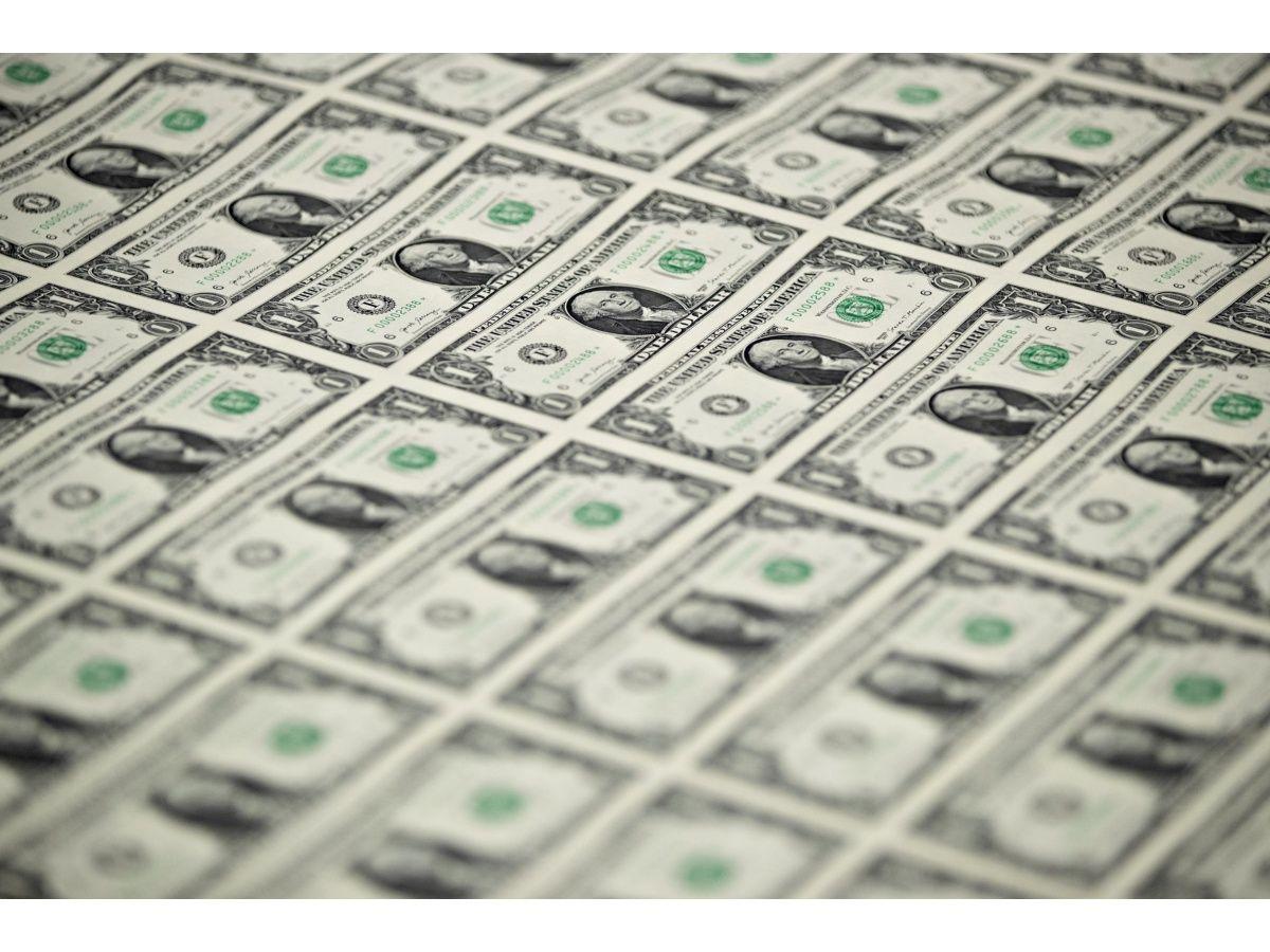 Tras la vuelta del cepo, el dólar blue y el oficial cerraron la semana en calma