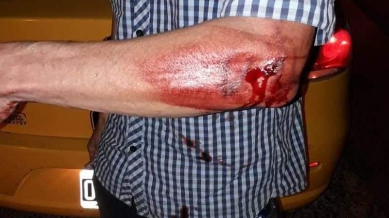 De locos: atacó a taxista con un bate (cortaron el puente)