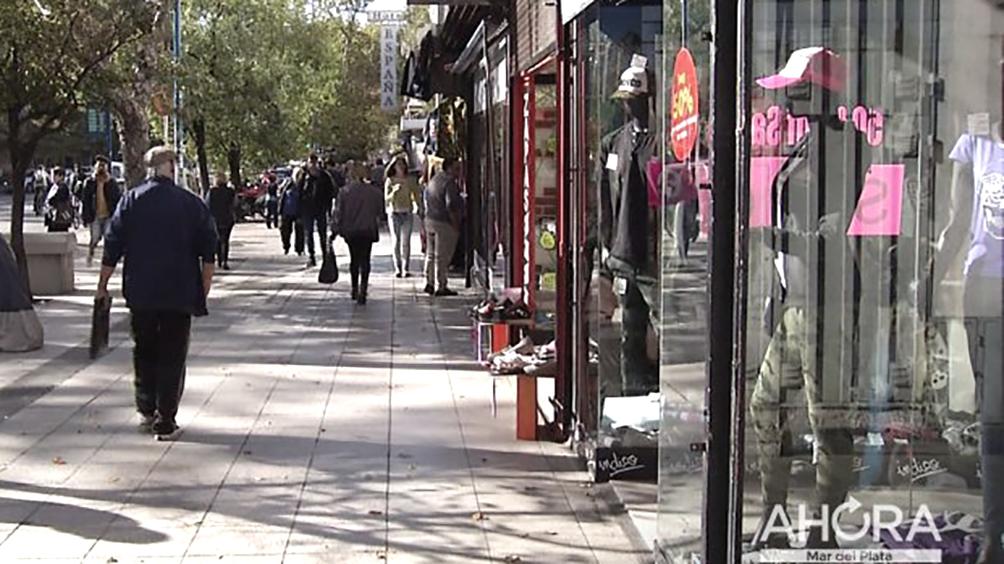 Las ventas navideñas, a la espera de medidas oficiales de reactivación del consumo