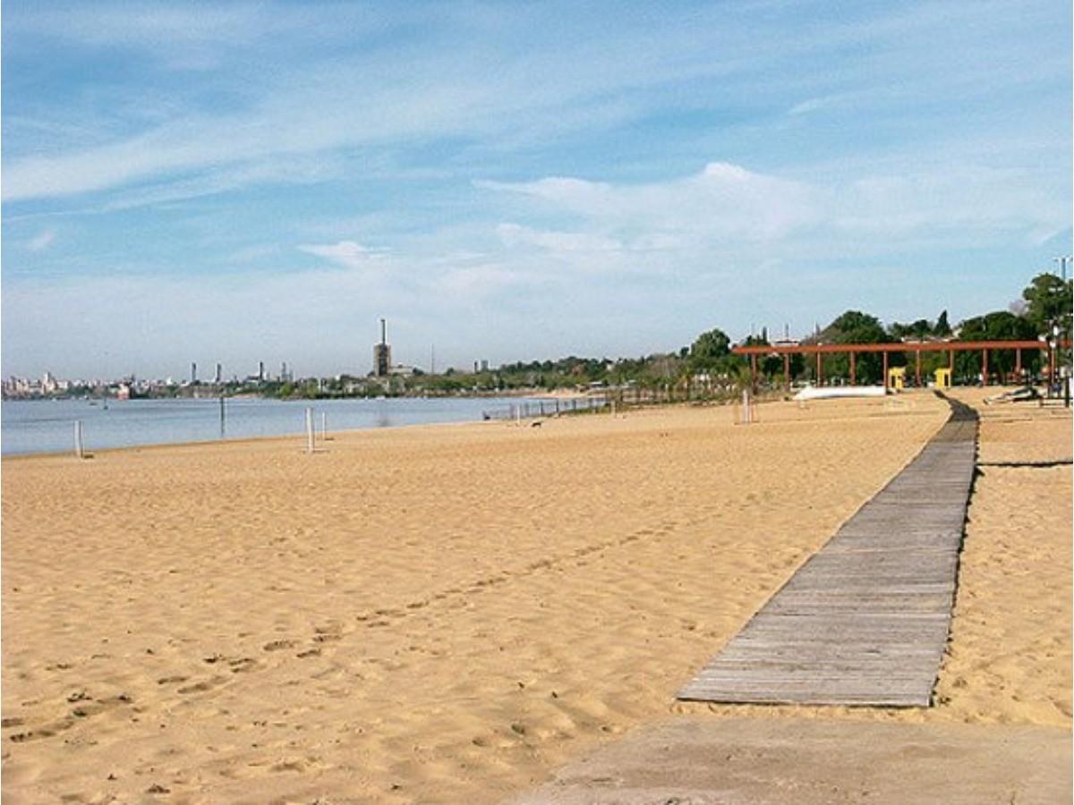 Reabrieron playas de Rosario con protocolos sanitarios