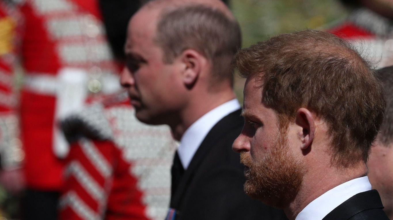 el-reencuentro-de-los-principes-william-y-harry:-llegaron-por-separado-al-funeral-de-su-abuelo,-pero-se-fueron-juntos