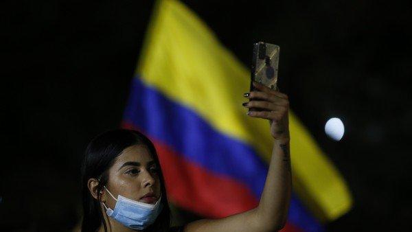 tiktok,-la-red-social-que-se-volvio-el-inesperado-canal-de-desahogo-y-denuncia-ante-la-violencia-en-colombia