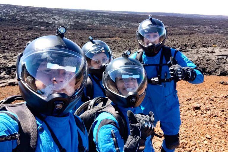 como-en-marte:-cientificos-viven-en-un-volcan-en-hawai-con-trajes-espaciales