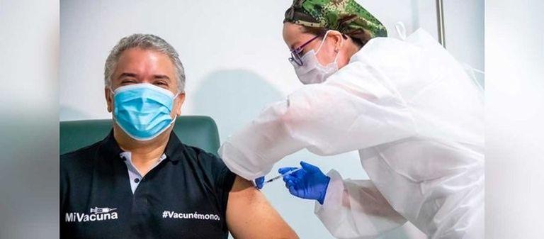ivan-duque-recibe-la-primera-dosis-de-la-vacuna-contra-el-coronavirus