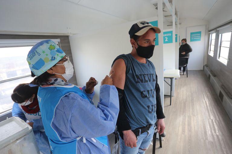 preocupacion-por-las-personas-que-se-niegan-a-vacunarse-contra-el-coronavirus