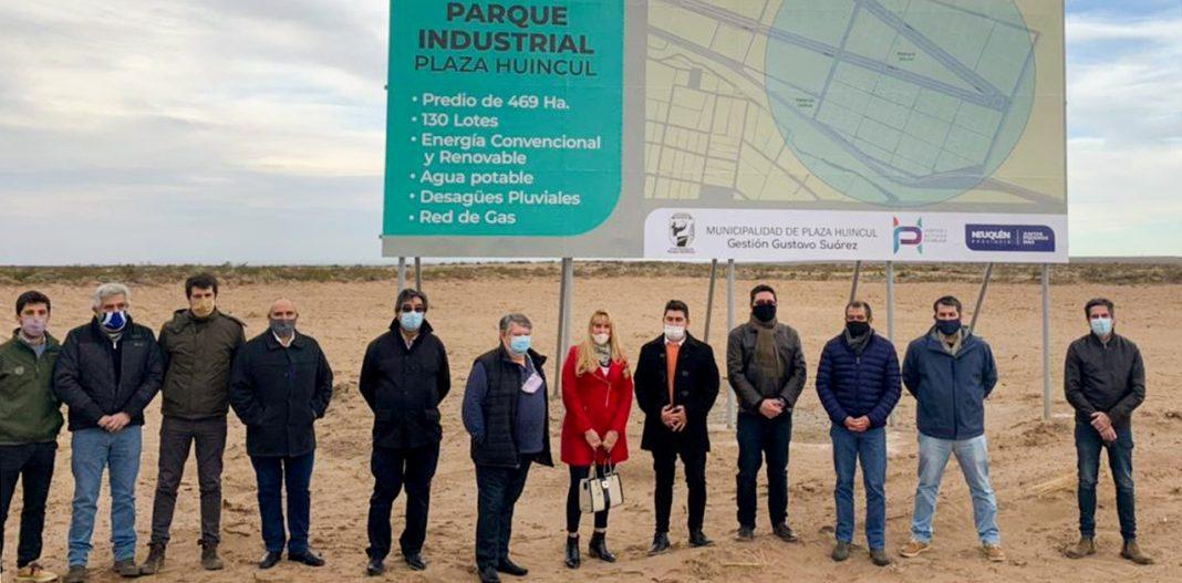 recorren-el-parque-industrial-de-plaza-huincul-con-empresas-interesadas-en-invertir