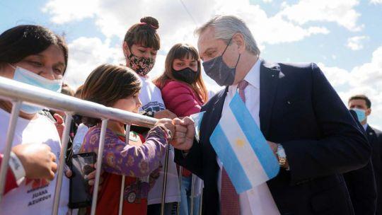 """se-filtran-mensajes-de-campana-electoral-del-gobierno-en-la-aplicacion-mi-argentina:-""""fue-un-error"""""""