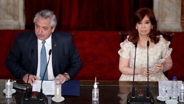 cambios-en-el-gabinete:-la-presion-de-cristina-kirchner-y-el-sacrificio-de-alberto-f.-fue-destacado-en-la-prensa-internacional